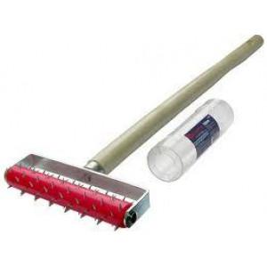 Валик игольчатый для нанесения перфораций ручка 50мм 32х150мм с металлическими иглами
